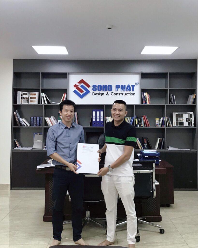 Ngày 27/4/2020 anh Minh kí kết hợp đồng thiết kế với Song Phát.