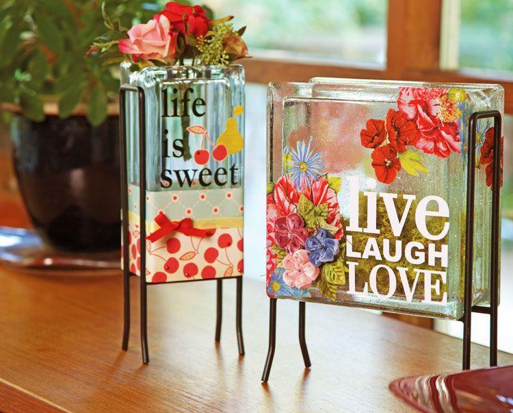 Sử dụng gạch kính làm bình hoa trang trí đẹp mắt