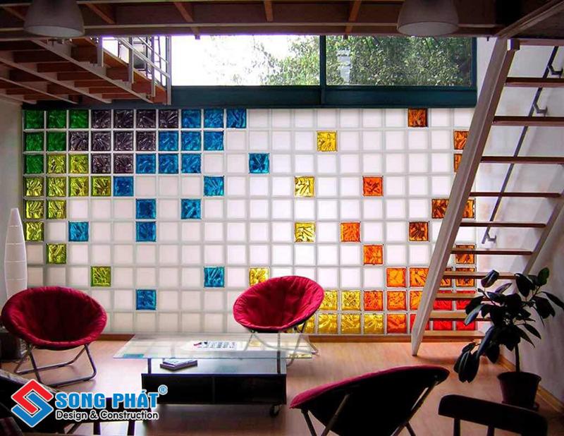 Sử dụng gạch kính trang trí giúp tăng giá trị thẩm mỹ cho ngôi nhà